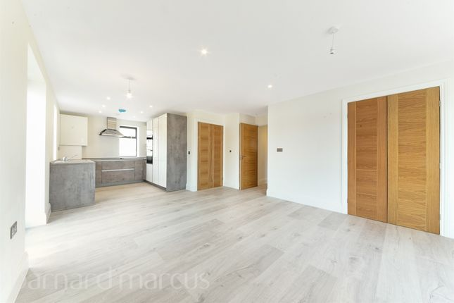 Thumbnail Flat for sale in Cheam Common Road, Old Malden, Worcester Park
