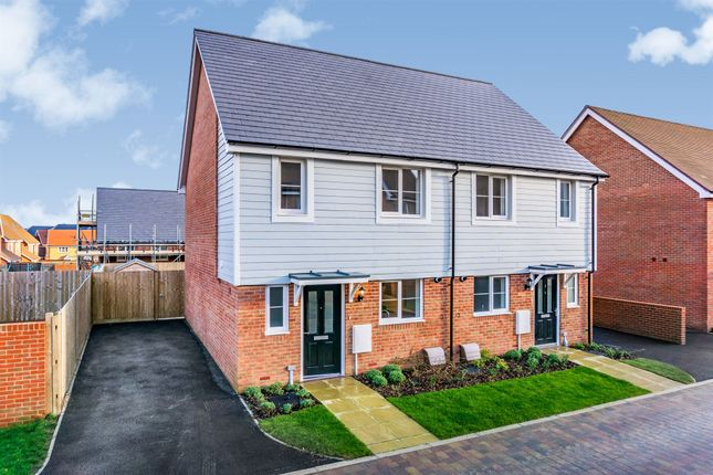 Thumbnail Detached house for sale in Kilnwood Vale, Faygate, Horsham