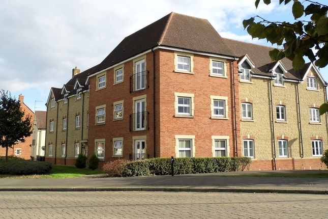 Thumbnail Flat for sale in Aquarius Court, Swindon, Wiltshire
