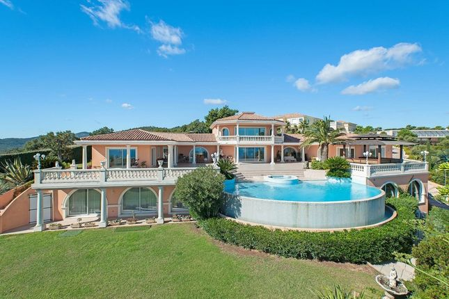 Villa for sale in Les Issambres, French Riviera, France