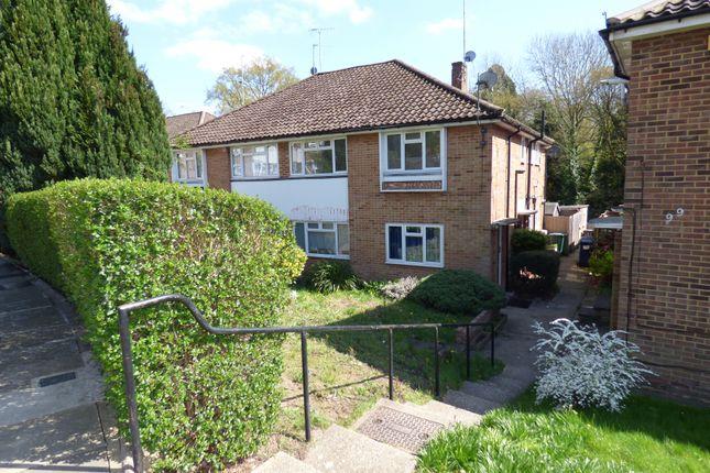 Thumbnail Maisonette to rent in Vernon Crescent, East Barnet