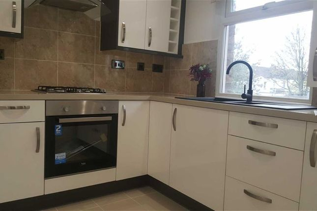 Thumbnail Flat to rent in Dudley Road, Southall, Middlesex