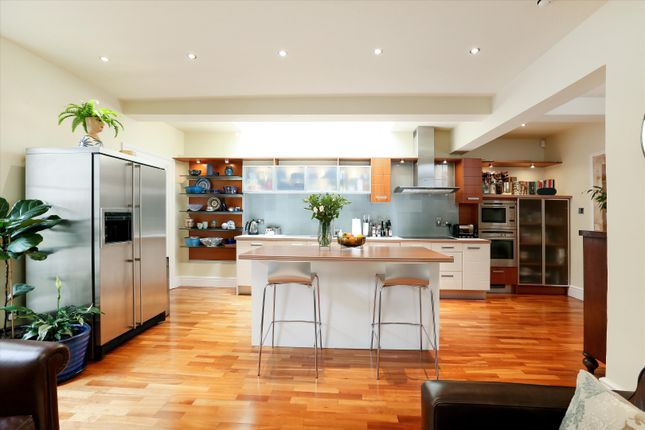 Thumbnail Flat for sale in Queens Parade, Bath, Somerset