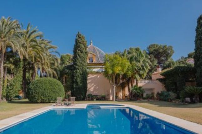 Thumbnail Villa for sale in Central, Alicante, Valencia, Spain