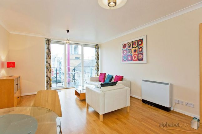 Thumbnail Flat to rent in Boardwalk Place, London
