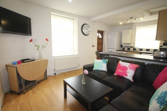 5 bed property to rent in Cawdor Road, Fallowfield, Bills Included, Manchester