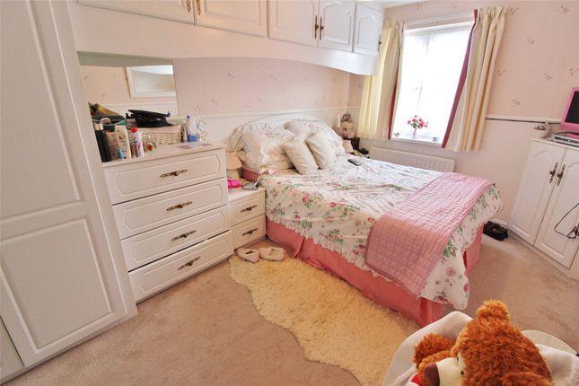 Picture No. 01 of Rosegill, Albany, Washington, Tyne & Wear NE37