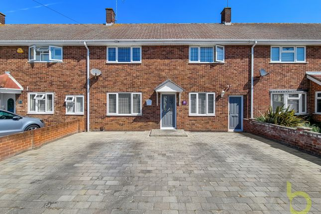 4 bed terraced house for sale in Oakway, Grays RM16