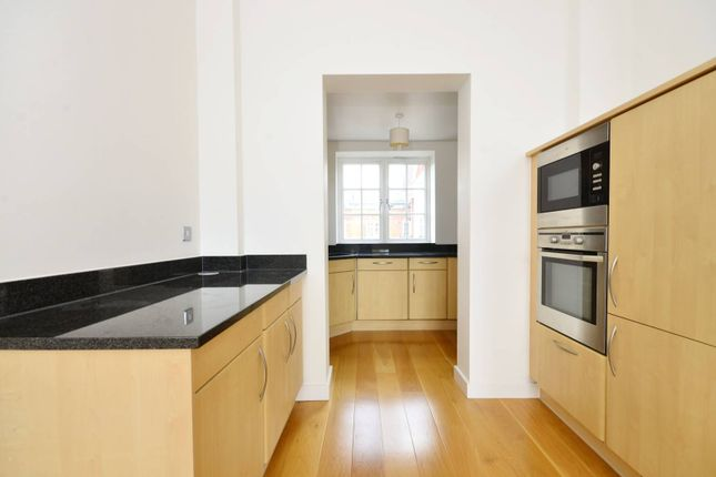 Thumbnail Flat to rent in Arcadian Place, Southfields, London