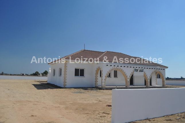 4 bed bungalow for sale in Avgorou, Cyprus