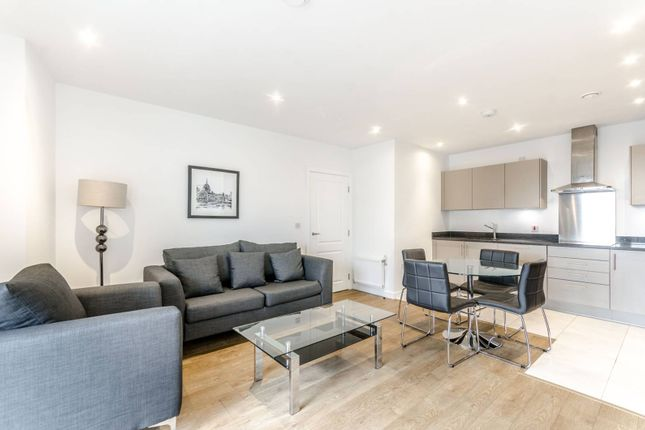 Thumbnail Flat to rent in Vitruvian Court, Limehouse