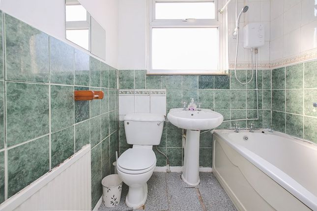 Thumbnail Flat to rent in Stanford Road, London
