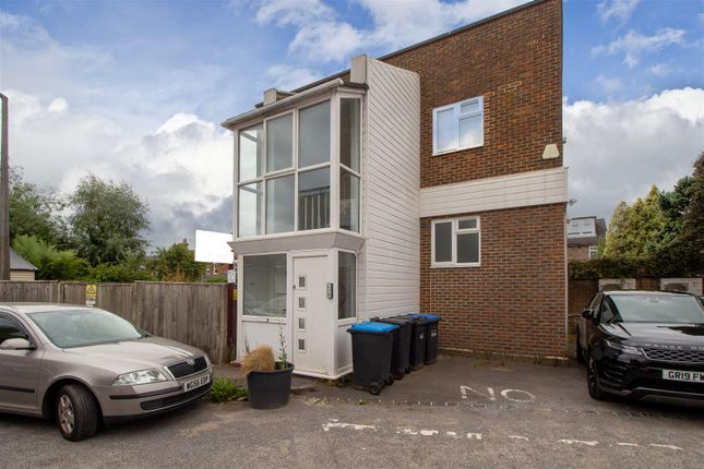 1 bed flat for sale in Gower Road, Haywards Heath RH16