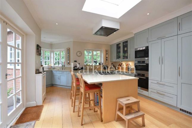 Thumbnail Flat to rent in Lambolle Road, Belsize Park, London