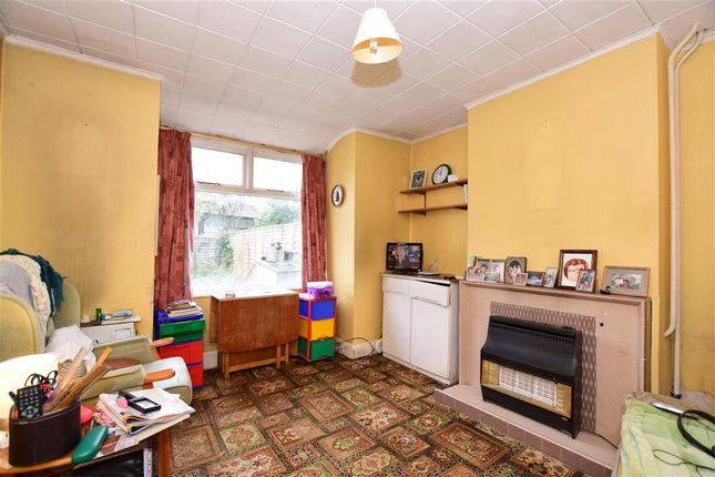 Thumbnail Terraced house for sale in Pretoria Crescent, Chingford, London