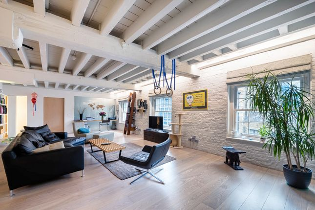 Thumbnail Flat for sale in Tapestry Building, Liverpool Street, London