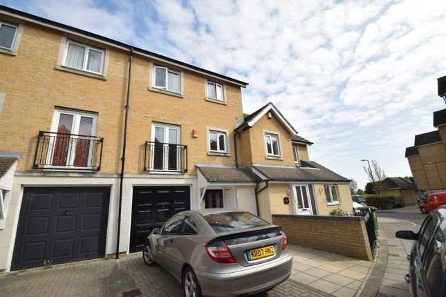 Thumbnail Property to rent in Centurion Gate, Southsea