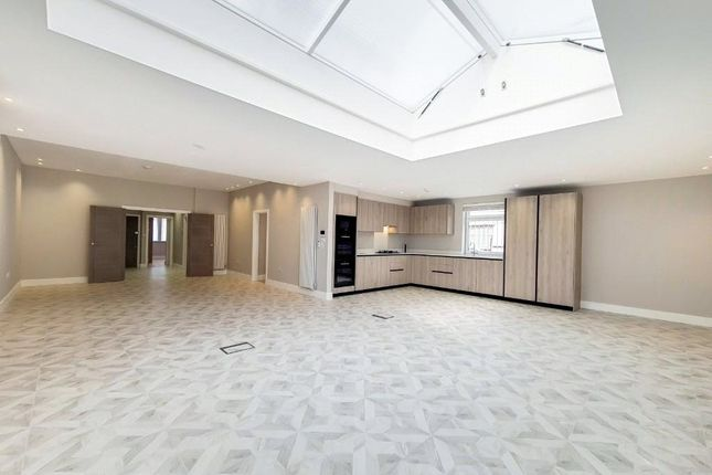 Thumbnail Flat to rent in The Drive, London