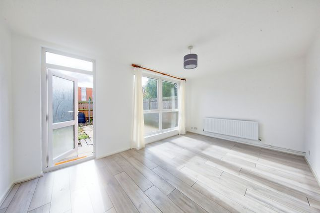 Thumbnail Terraced house to rent in Whitehead Close, Earlsfield