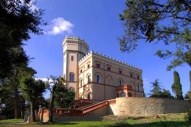 10 bed villa for sale in Perugia, Italy