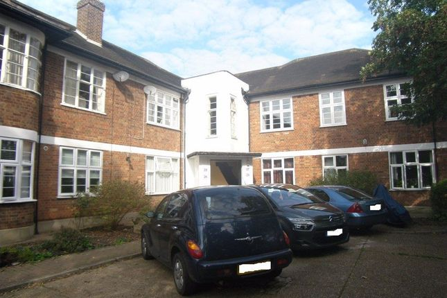 3 bed flat to rent in Byron Mansions, Corbets Tey Road, Upminster RM14