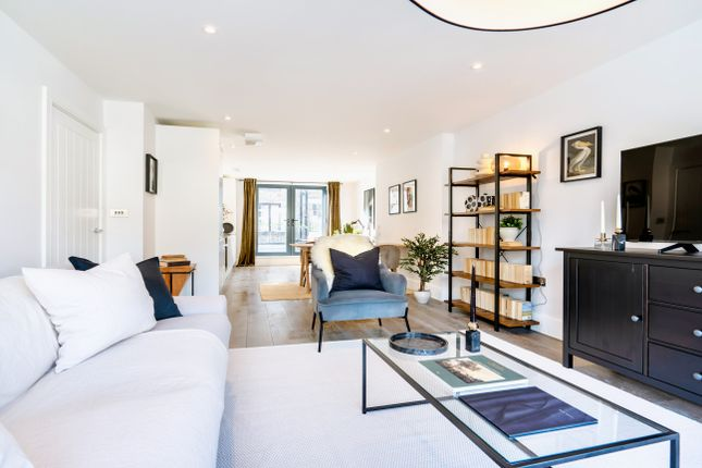 Thumbnail Flat to rent in King's Mews, Holborn