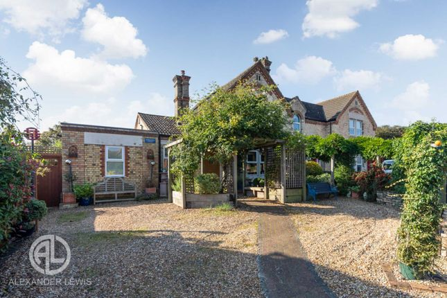 Thumbnail Semi-detached house for sale in Old Station Court, Blunham