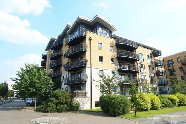 Thumbnail Flat to rent in Stretton Mansions, Glaisher Street, Greenwich