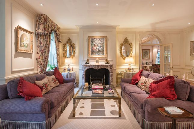 4 bed detached house for sale in Elm Tree Road, London