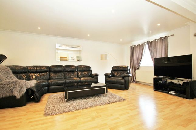 Thumbnail Detached house to rent in Tayfield Close, Ickenham, Uxbridge, Middlesex