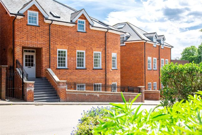 Thumbnail Flat for sale in Dene Court, Thompsons Close, Harpenden