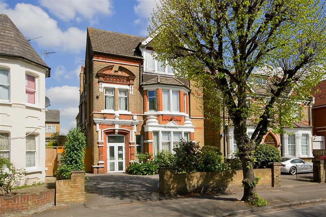 Thumbnail Property to rent in Gordon Road, London
