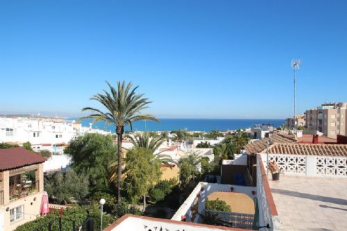 Thumbnail Chalet for sale in La Mata, La Mata, Spain