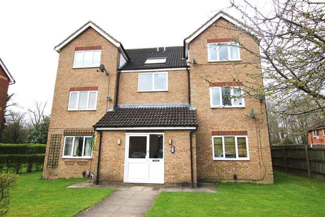 Thumbnail Flat to rent in Milton Way, Houghton Regis, Dunstable