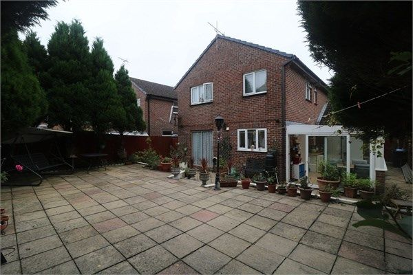 Thumbnail Detached house for sale in Nuthatch Close, Poole