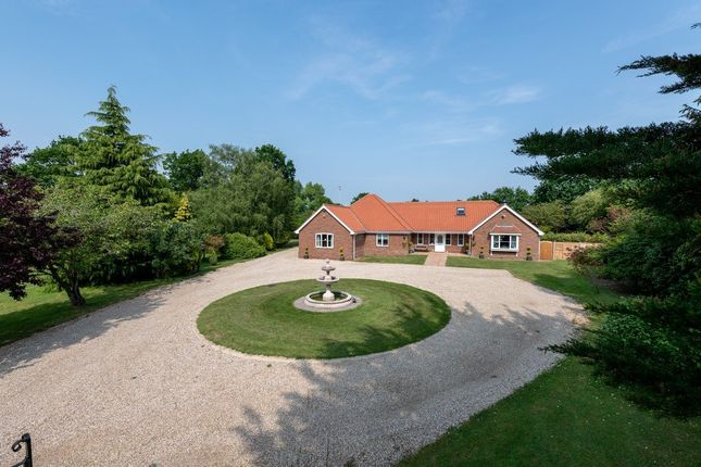 Thumbnail Detached bungalow for sale in Shelfanger Road, Roydon, Diss, Norfolk