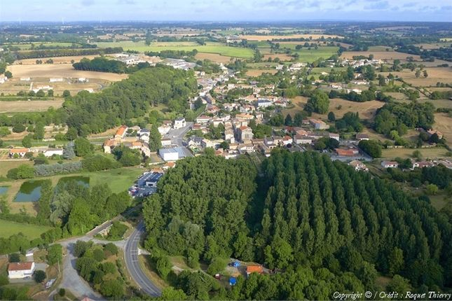 4 bed property for sale in Poitou-Charentes, Deux-Sèvres, Saint Maixent L'ecole