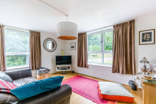 Thumbnail Flat for sale in Ross Road, South Norwood, London