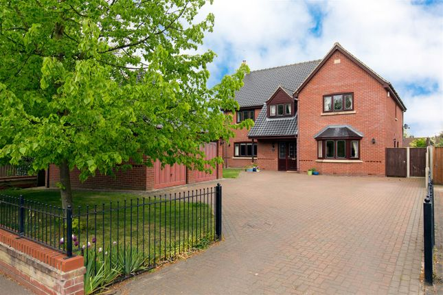 Thumbnail Detached house for sale in Brundall, Norwich