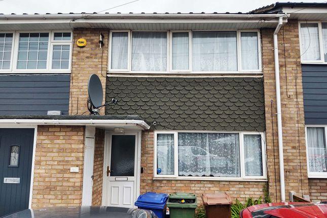 3 bed terraced house to rent in 21 Queen Elizabeth Drive, Corringham SS17