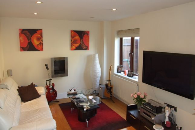Thumbnail Semi-detached house to rent in Palermo Road, London