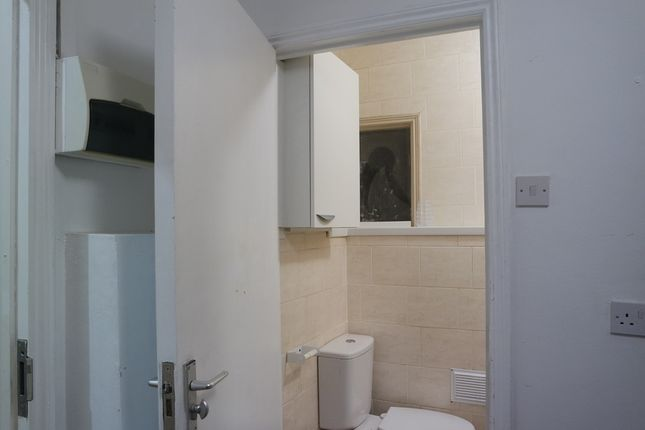 Thumbnail Flat to rent in Room 8, Camberwell Church Street, London