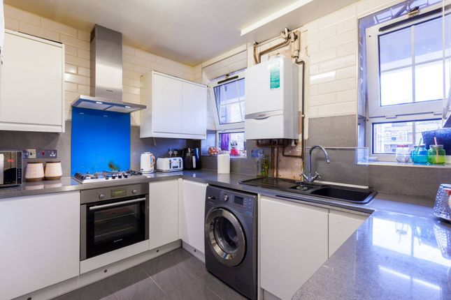 3 bed flat for sale in Bell Lane, Aldgate, London E1