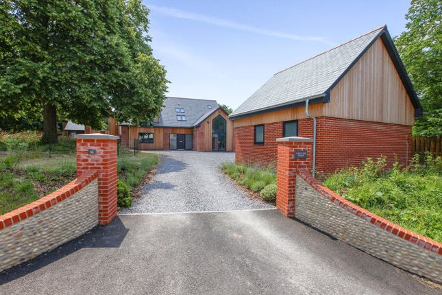 Thumbnail Detached house for sale in Orchard Close, Woodbury, Exeter
