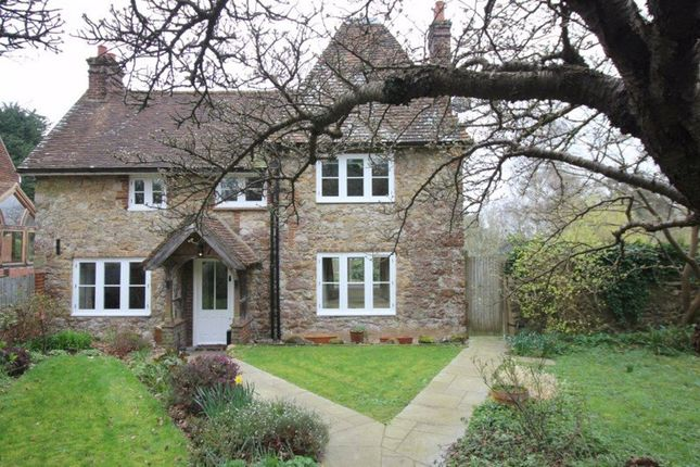5 bed detached house to rent in Ismays Road, Ightham, Sevenoaks TN15