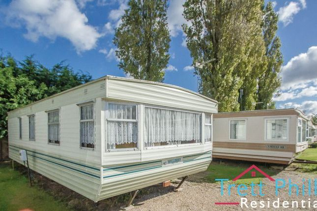 Thumbnail Detached bungalow to rent in Bridge Road, Potter Heigham, Great Yarmouth