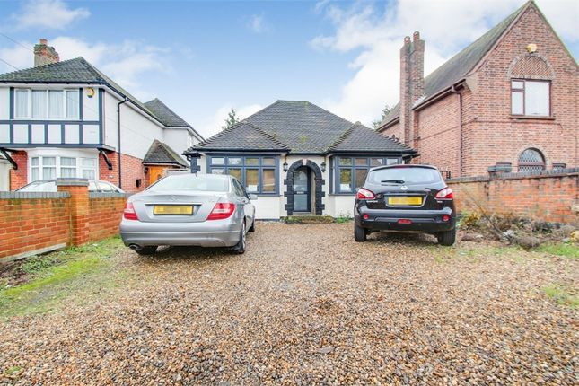 Thumbnail Detached bungalow to rent in Langley Road, Langley, Berkshire