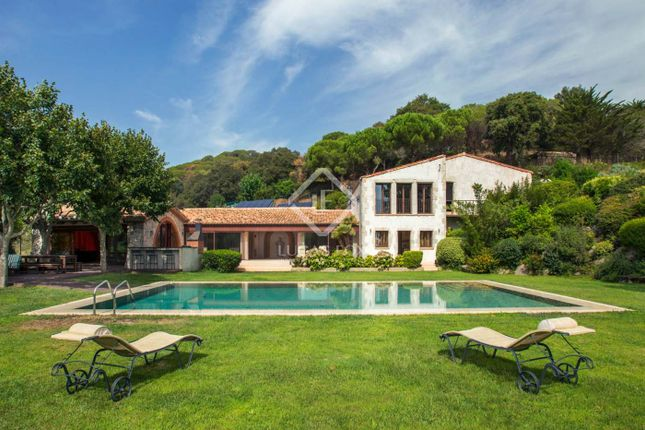 Thumbnail Country house for sale in Spain, Barcelona North Coast (Maresme), Sant Andreu De Llavaneres, Mrs7675