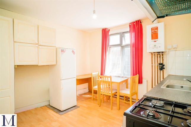 Thumbnail Flat to rent in Trinity Road, Southall, Middlesex
