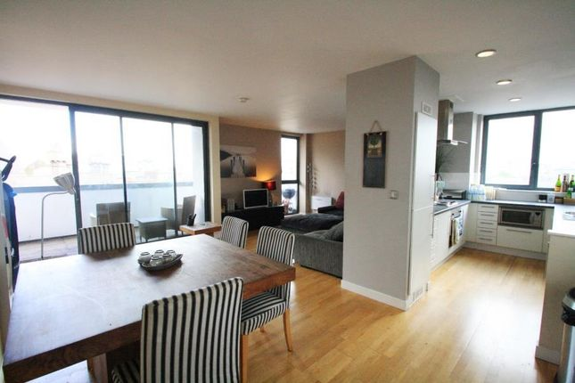 Thumbnail Flat to rent in Penthouse, Crown Street, Leeds City Centre
